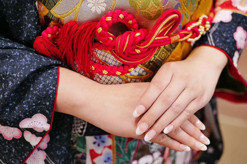 結婚式で振袖を着たい!結婚式に合う振袖とマナーを解説!
